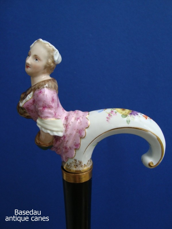 A Meißen porcelain cane